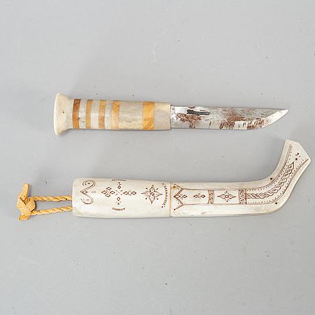 Per henrik simmas, a sami reindeer horn knife.