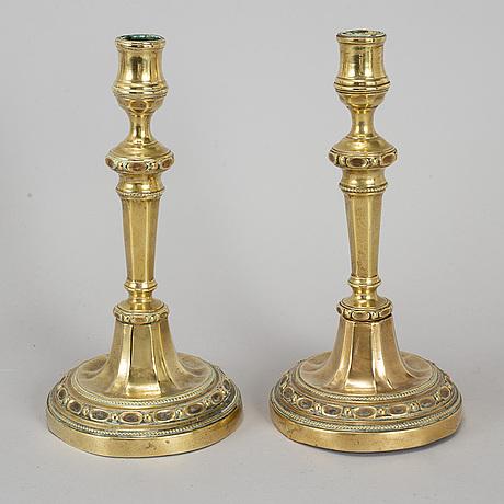 Ljusstakar, ett par, brons, louis seize, sent 1700-tal.