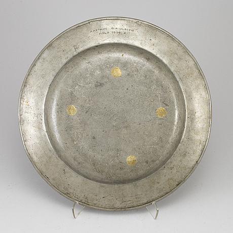 A german barque pewter dish, 18th century.