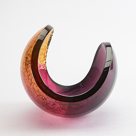 "Lena bergstrÖm, a signed and numberd glass bowl ""planets"" kosta boda nr 86/500."