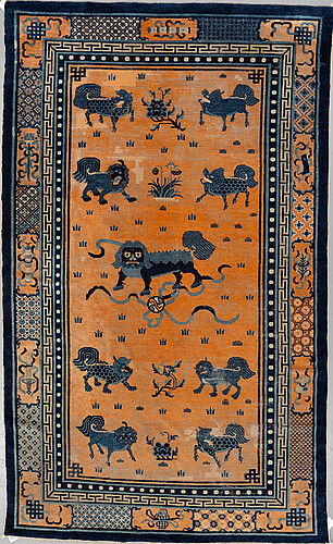 A carpet, an antique china, late qing dynasty, ca 311 x 186,5 cm.
