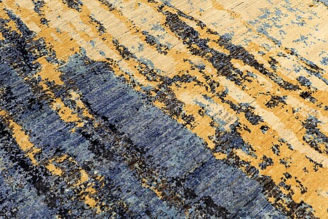 A carpet, oriental, ca 306 x 242 cm.