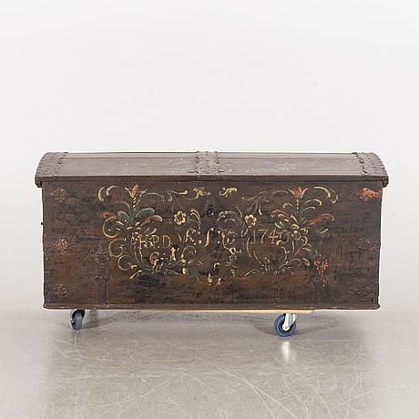 Kista, daterad 1740.