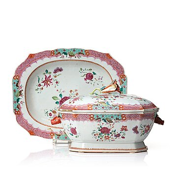 713. A famille rose tureen with cover and stand, Qingdynasty, Qianlong (1736-95).