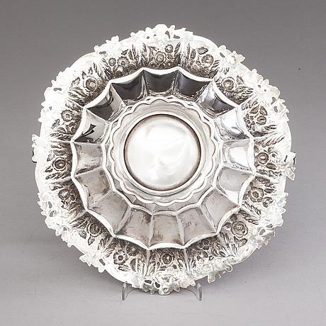 John edward terrey, a silver bread basket, london 1823.
