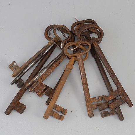 Ten iron keys, some large, 19th century.