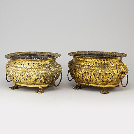 Two brass jardinieres, 19th century.