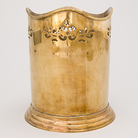 An english champagne cooler, early 20th century.