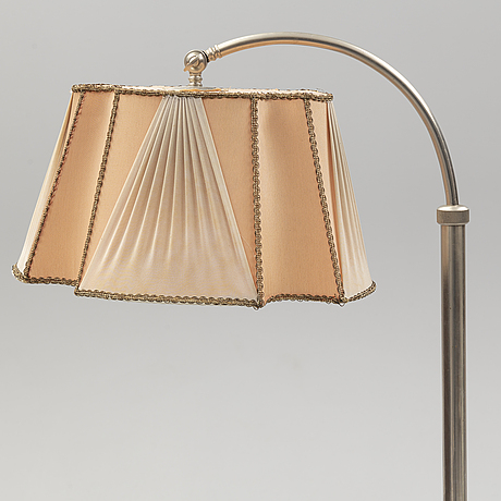 A 1930's art déco floor lamp.
