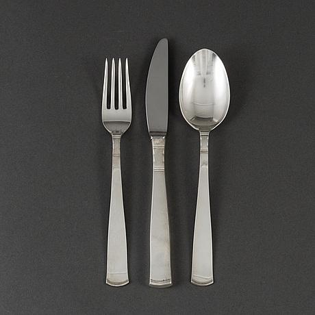"""Jacob Ängman, besticksuppsättning, 41 delar, silver, """"rosenholm"""", gab bl a 1973."""