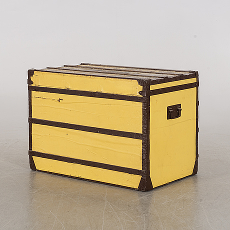Louis vuitton, a french travel trunk, early 20th century.