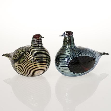 Oiva toikka, two glass birds, signed o. toikka nuutajärvi.