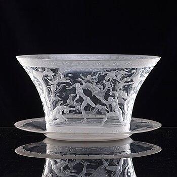 12. Simon Gate, an engraved bowl, Orrefors 1930. engraved by Arthur Diessner.