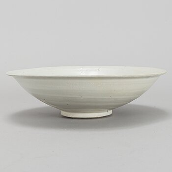 A white glazed dish, Song style.