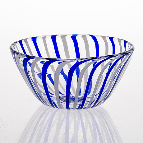 Pauli partanen, a glass bowl signed pauli partanen -95.