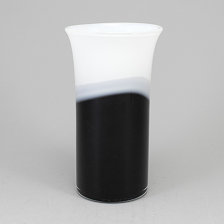 Erik hÖglund, a glass vase from strömbergshyttan, signed and dated 1990.