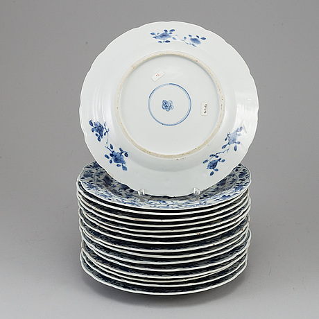 A set of 16 blue and white dishes, qing dynasty, 19th century.