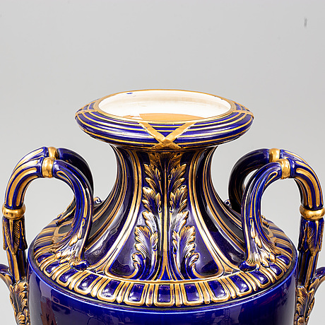 A large stoneware vase with cover and a piedestal/stand, rörstrand, circa 1900.