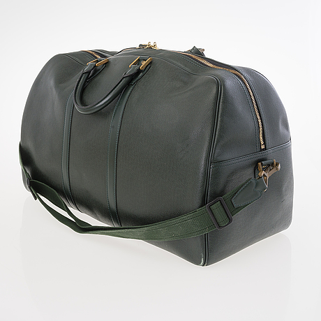 Louis vuitton green taïga kendall gm travel bag.