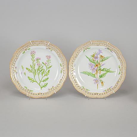 A set of four 'flora danica' porcelain dishes, royal copenhagen, denmark, 20th century.