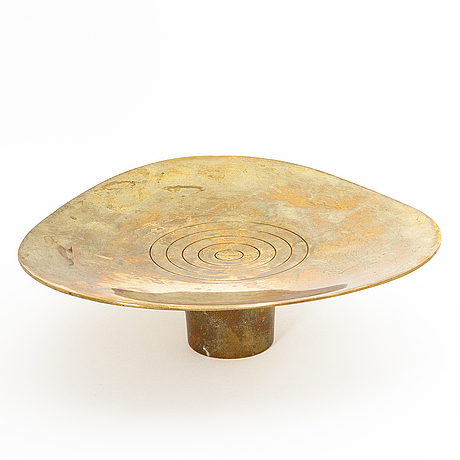 Paavo tynell, a bronze bowl for taito.