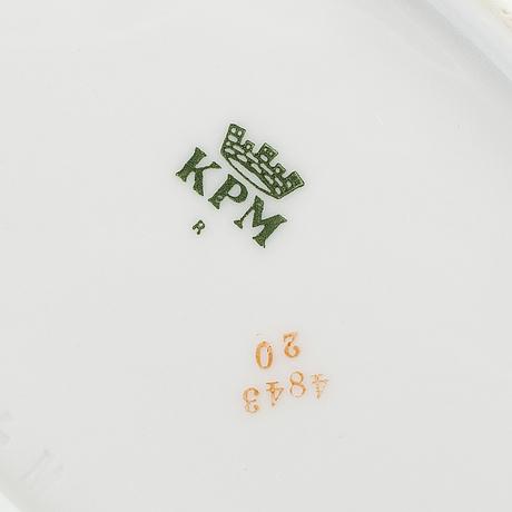 58 psc porcelaine, kpm, mid 20th century.