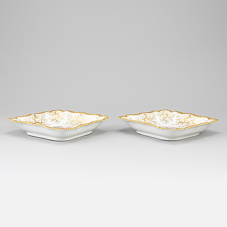A pair of late empire porcelain dishes, second half of the 19th century.