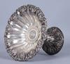 SkÅl pÅ fot, silver, otydliga stämplar. 406 gram.