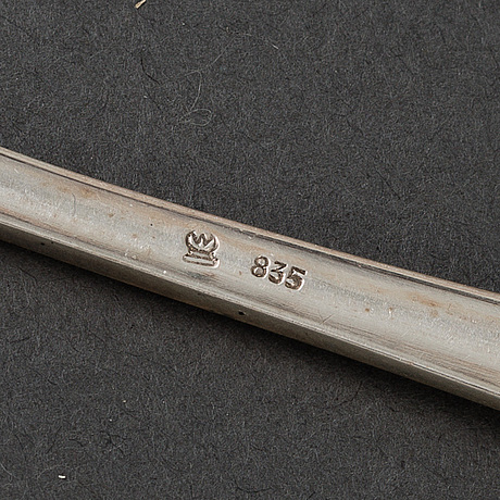 Tweleve silver cake forks, mid 20th century.