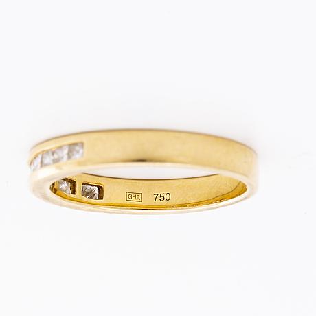 Ring 18k gold w princess-cut diamonds approx 0,60 ct.