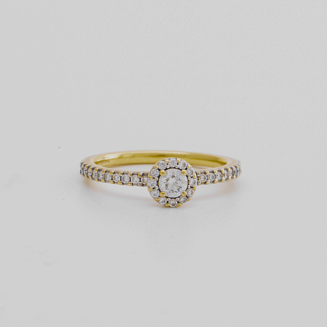 Ring 18k gold w brilliant-cut diamonds approx 0,50 ct in total.