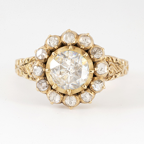 Ring 14k gold w rose-cut diamonds approx 1 ct in total.
