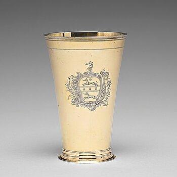 173. A Baltic 18th century silver beaker, mark of Jacob Stabenau, Riga (1712-1724 (1729)).