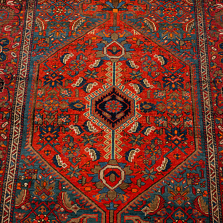 A carpet, semi-antik sarouk/feraghan, ca 153 x 105 cm.