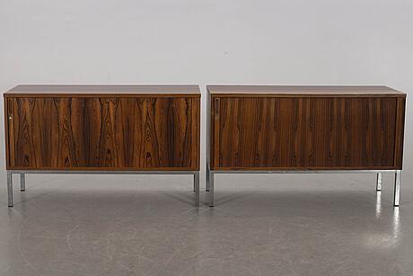 SkÅp/sideboard 2 st 1900-talets senare del citesintyg.