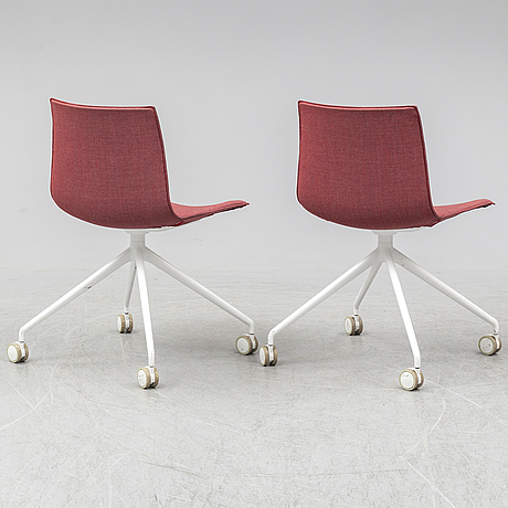 Arper, alberto lievore, jeanette altherr, manel molina, two 'catifa' office chairs.