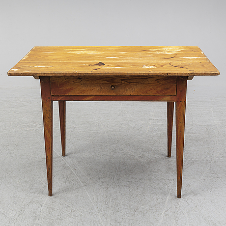 A painted pine gustavian table, first half of the 19th century.