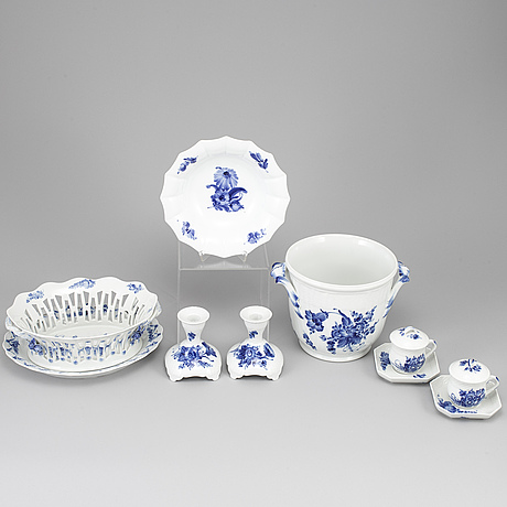Royal copenhagen, 'blå blomst' service, 9 pieces.