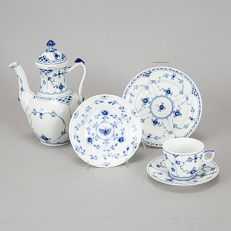 """Royal copenhagen, kaffeservis, 15 delar, porslin. """"musselmalet"""", danmark."""