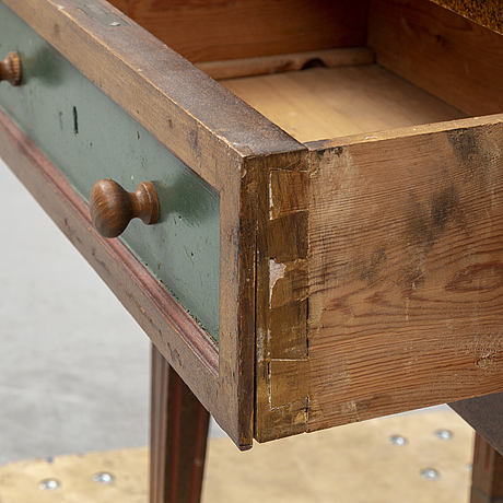 An 18th century cabinet.