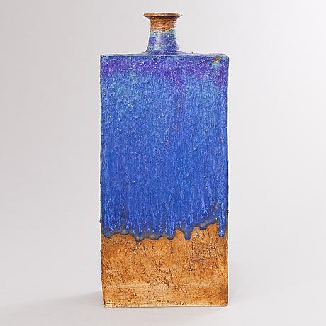Annikki hovisaari, a stoneware vase, signed ah arabia.