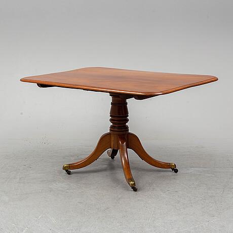 A mahogny tilt-top table, mid 19th century.