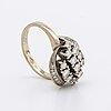 Ring 18k whitegold w brilliant and single-cut diamonds 0,82 ct inscribed.