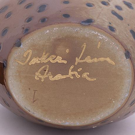 Inkeri leivo, flaska, porslin, signerad inkeri leivo, arabia.
