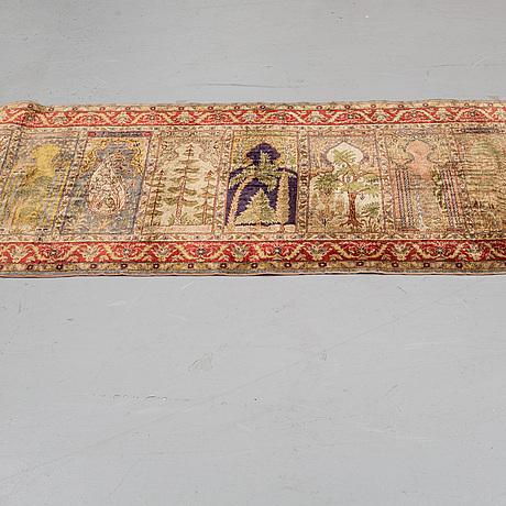 A runner, a semi-antique kayseri saf, ca 227,5-228,5 x 83-84,5 cm.