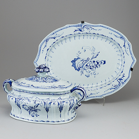 A rörstrand tureen and dish, jubilee, numbered 81/1800.