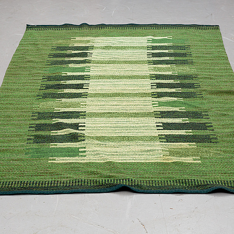 A carpet, flat weave, ca 239,5 x 153-156 cm, signed ml, sweden second half of the 20th century.