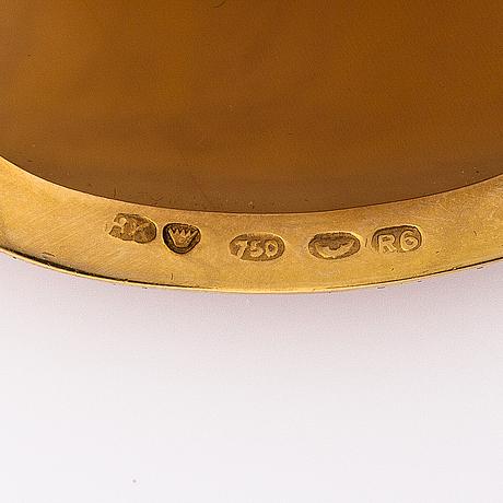 Eva gyldÉn, an 18k gold and cameo brooch. set by heikki kaksonen, helsinki, finland 1946.