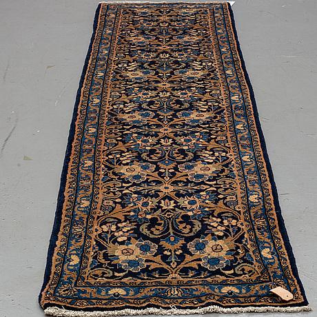 A persian runner, ca 290 x 78 cm.