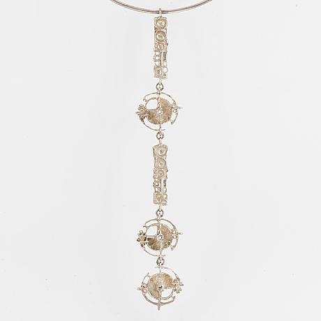 Juhls silver necklace.